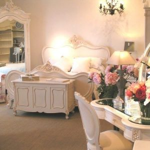 Chateau Antique White